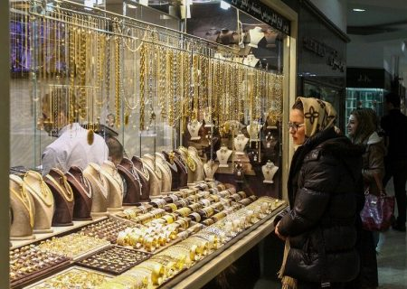 کاهش تقاضای خرید طلا و سکه در پی سقوط قیمتها