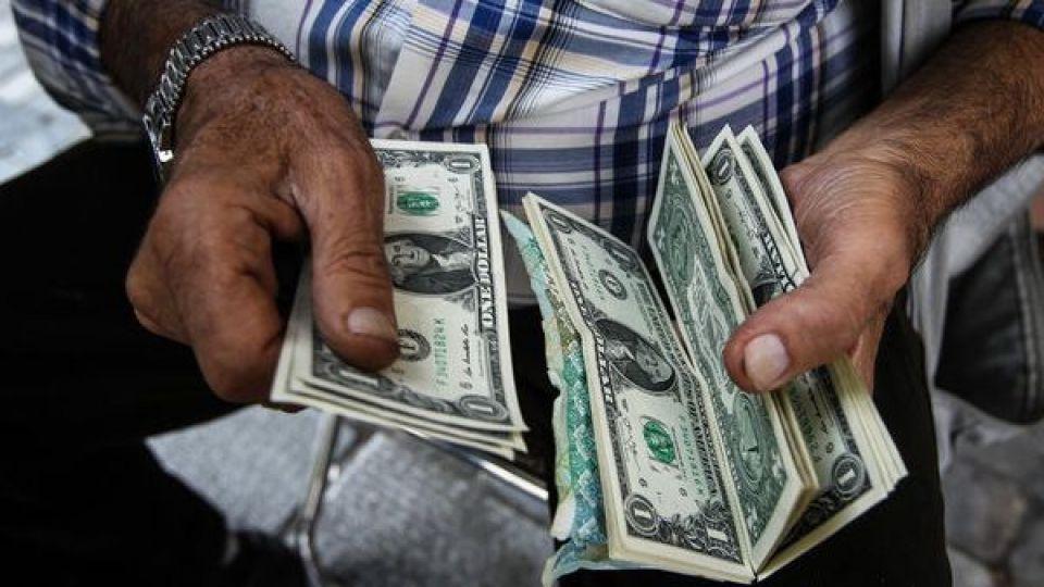 شایعهسازان سیاسی از جان بازار ارز چه میخواهند؟