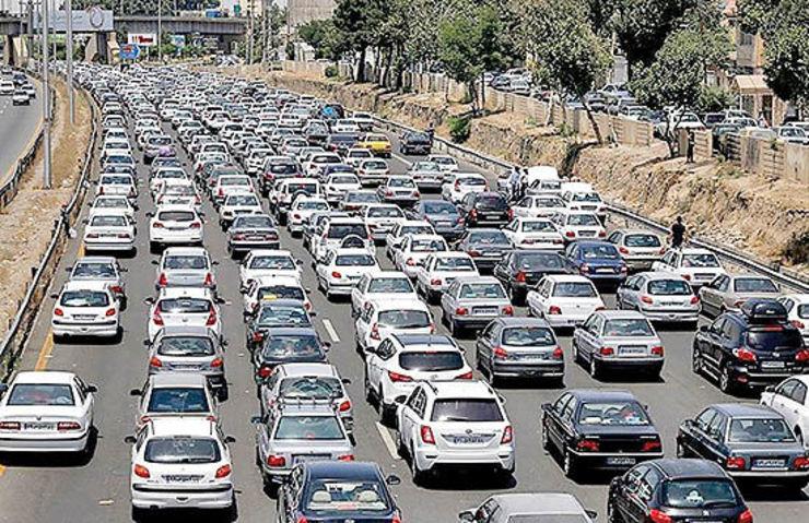تردد عصرگاهی خودروها در مشهد به نصف رسید