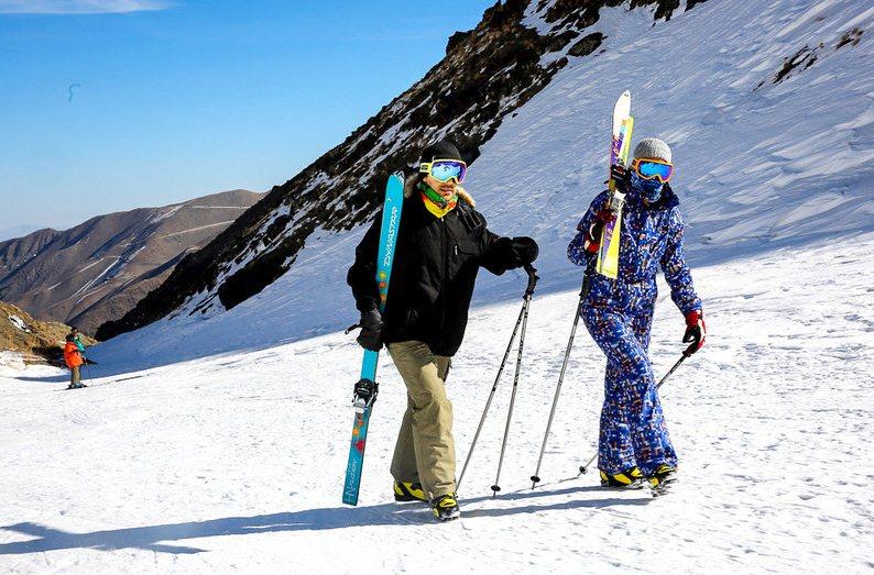پیست اسکی شیرباد  و  چالش همیشگی جاده