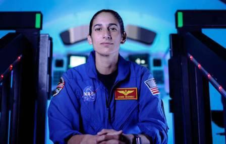 یاسمین مقبلی نخستین زنی که پا به ماه خواهد گذاشت