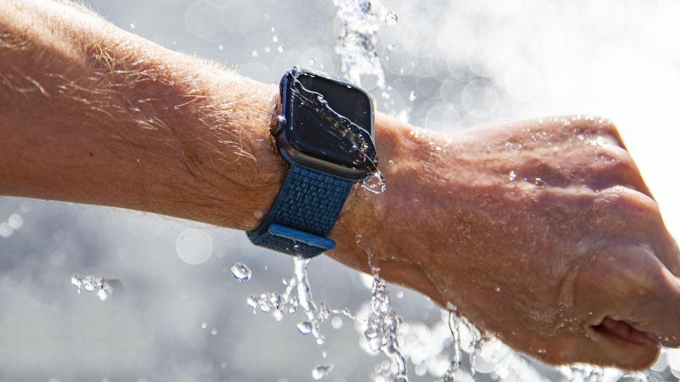 همه ما ممکن است شنیده باشیم که اپل واچ «ضد آب» است. اما اپل واچ ما تا چه میزان در برابر آب مقاومت دارد؟
