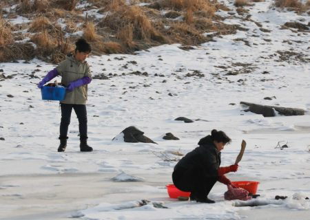 سرباز مرزی کره شمالی در تلاش برای فرار همراه نامزدش در رودخانه یخ زده غرق شد