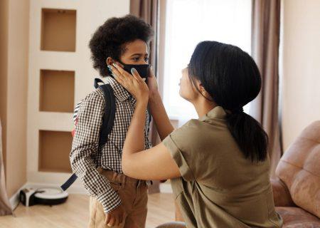 پدر و مادرها دقت کنند: علایم کرونا در کودکان